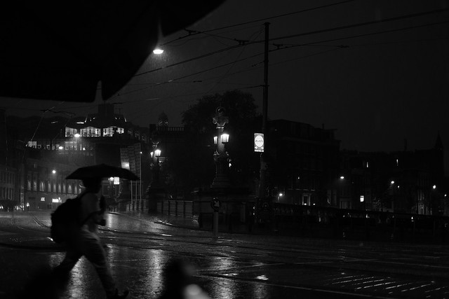 "hard rain falling on Blauwbrug(""blue bridge"") Amsterdam"
