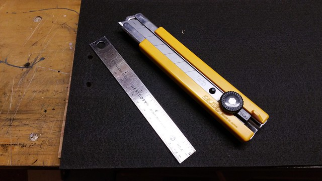 Utility knife and ruler