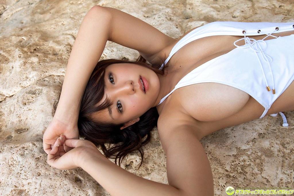 Ai Shinozaki en Bikini (18)