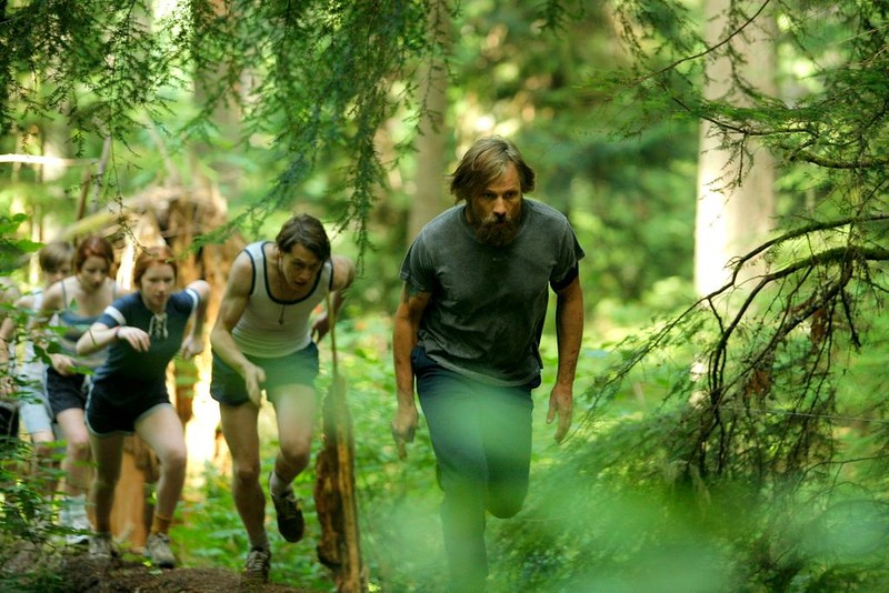 Viggo Mortensen and the children march to the beat of CAPTAIN FANTASTIC.