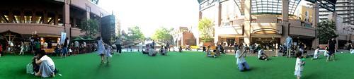 恵比寿ガーデンプレイスの人工芝広場2016.8.6
