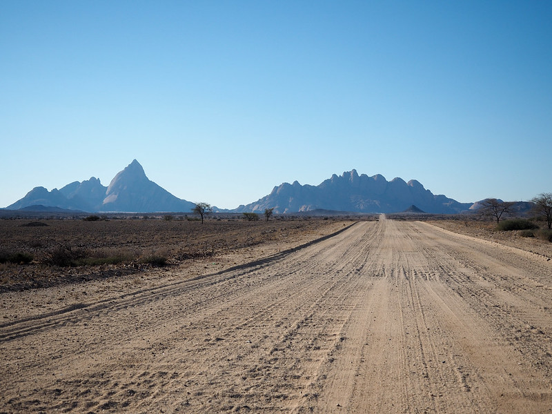 Road to Spitzkoppe camp