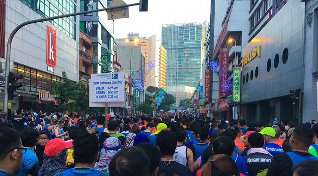 standard-chartered-kl-marathon-10km-before-run
