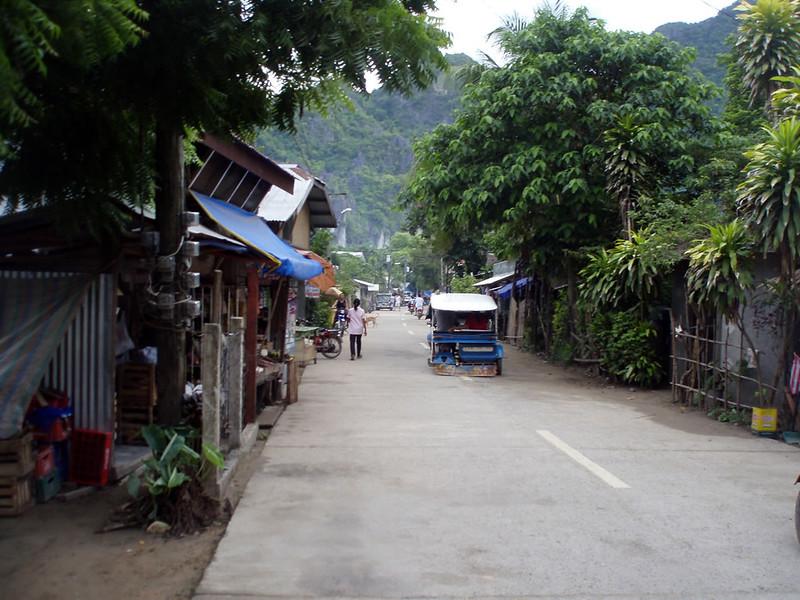 La entonces tranquila calle principal de El Nido
