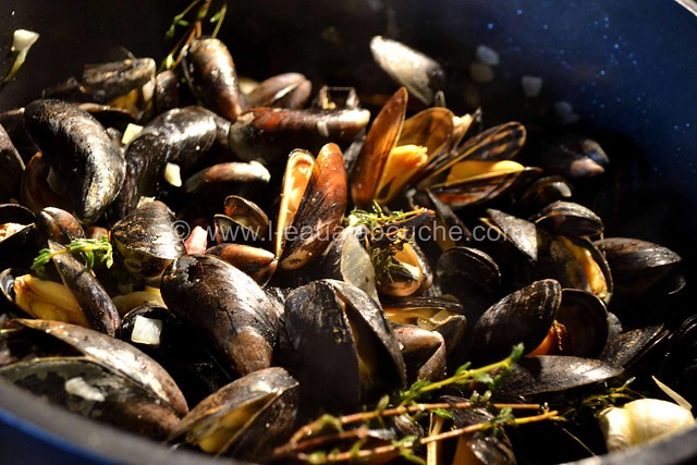 Moules au Jambon & sa Sauce © Ana Luthi Tous droits réservés 05
