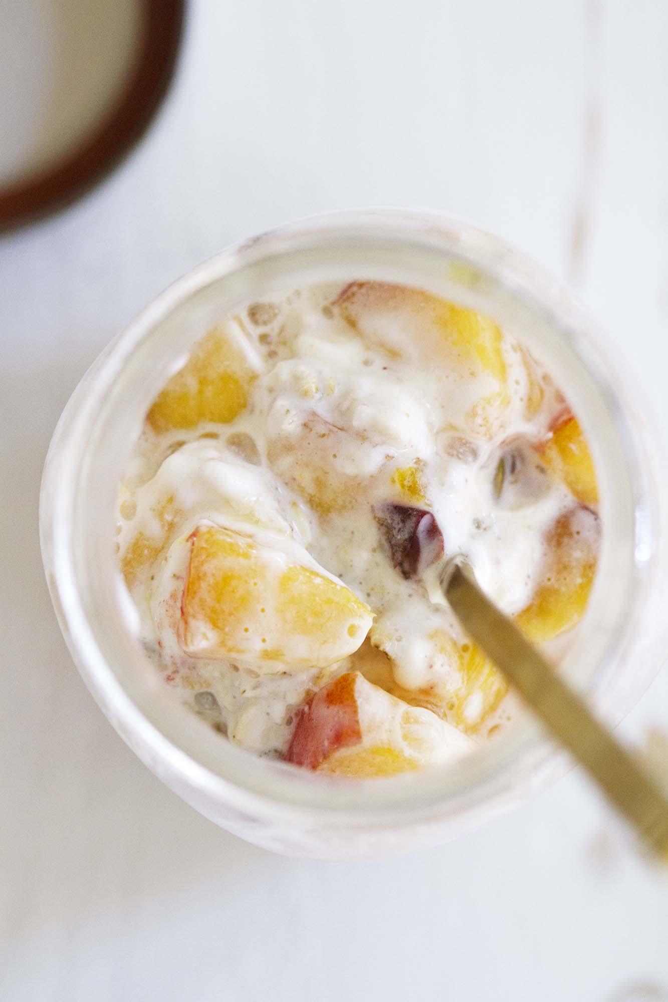 Peaches and Cream Overnight Oats | girlversusdough.com @girlversusdough