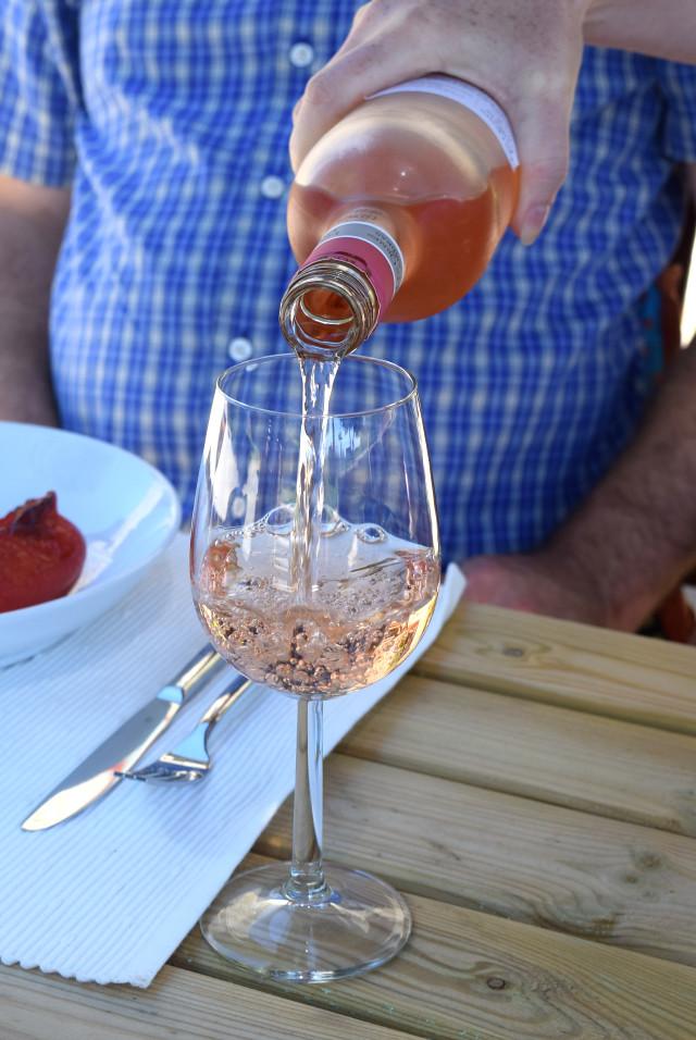 Rose Wine in Brittany | www.rachelphipps.com @rachelphipps