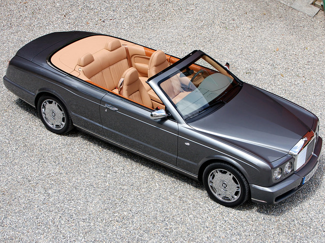 Четырехместный кабриолет Bentley Azure. 2007 – 2008 годы