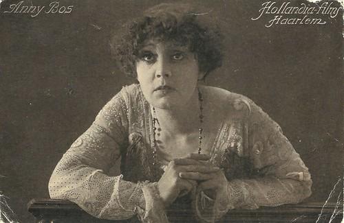 Annie Bos (Hollandia Films)