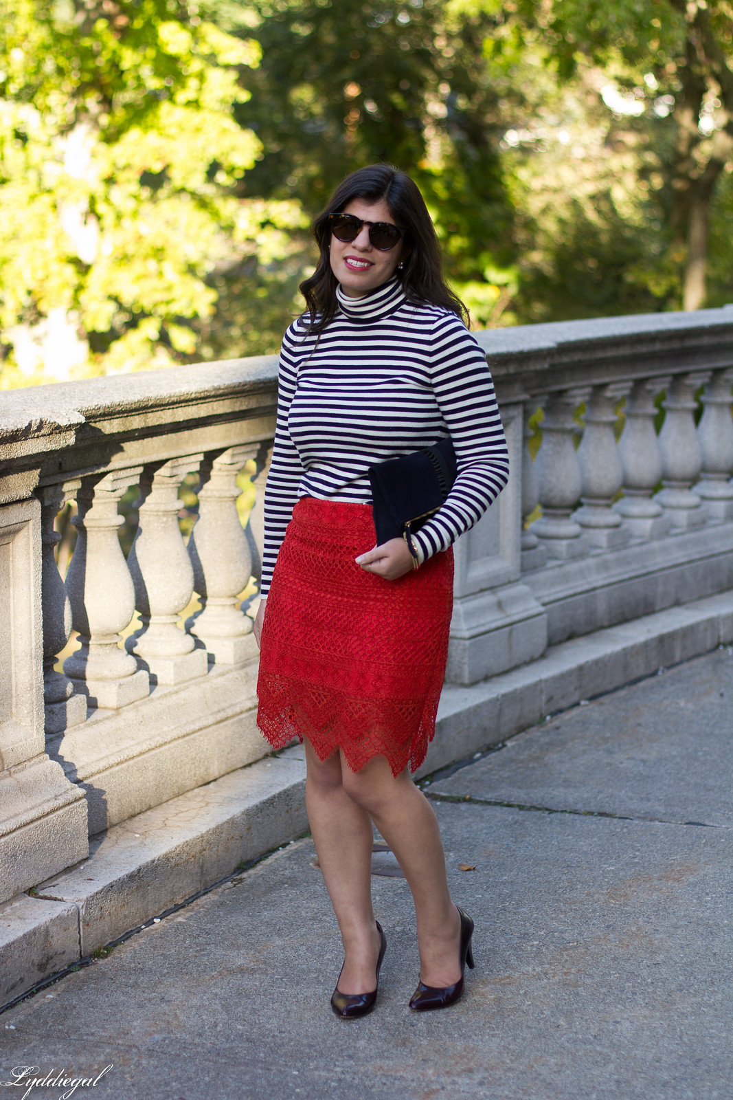 red lace skirt, striped shirt, navy clare v clutch, coach pumps-5.jpg