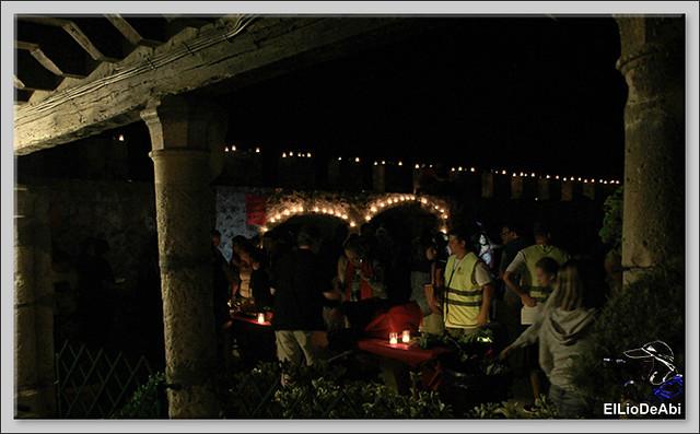 10.000 velas iluminan Fuentidueña en la noche de agua y fuego 15