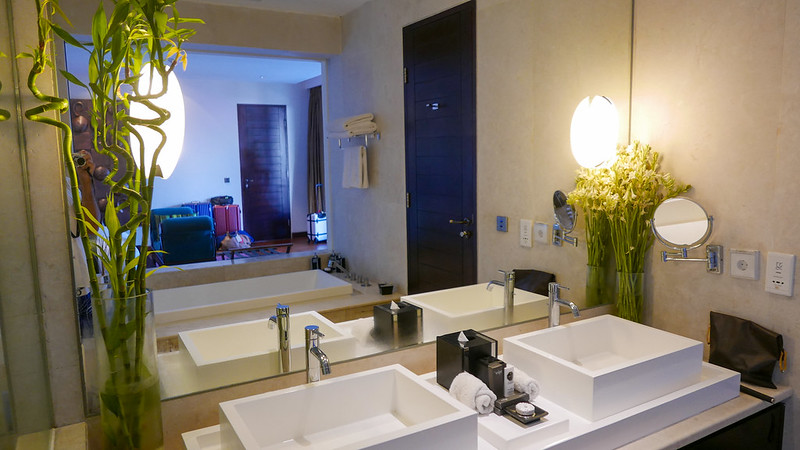 28313687725 e8303a3ede c - REVIEW - The Edge, Uluwatu (Bali)