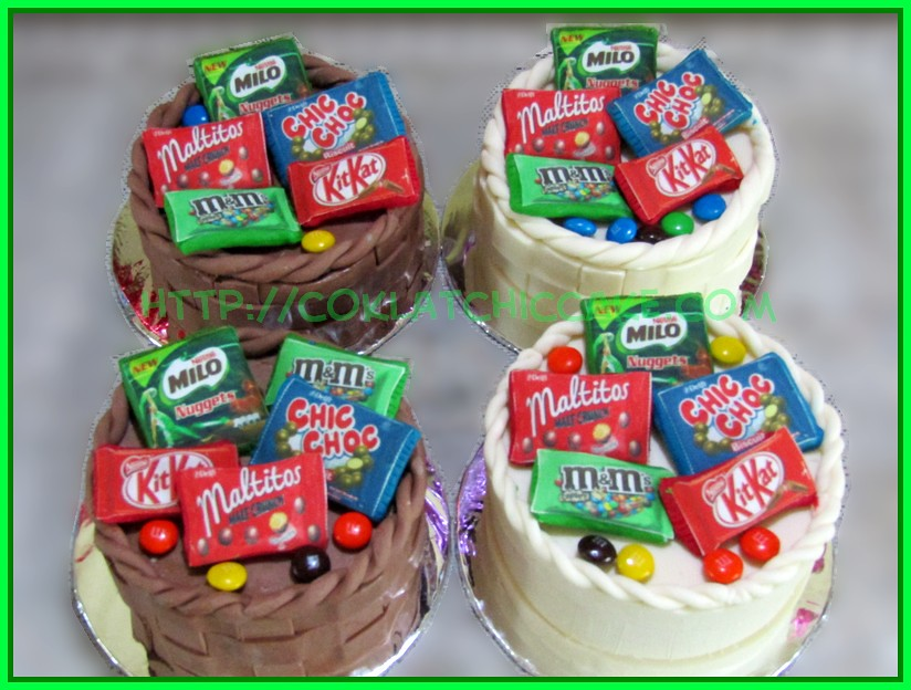 Cake Snack Basket
