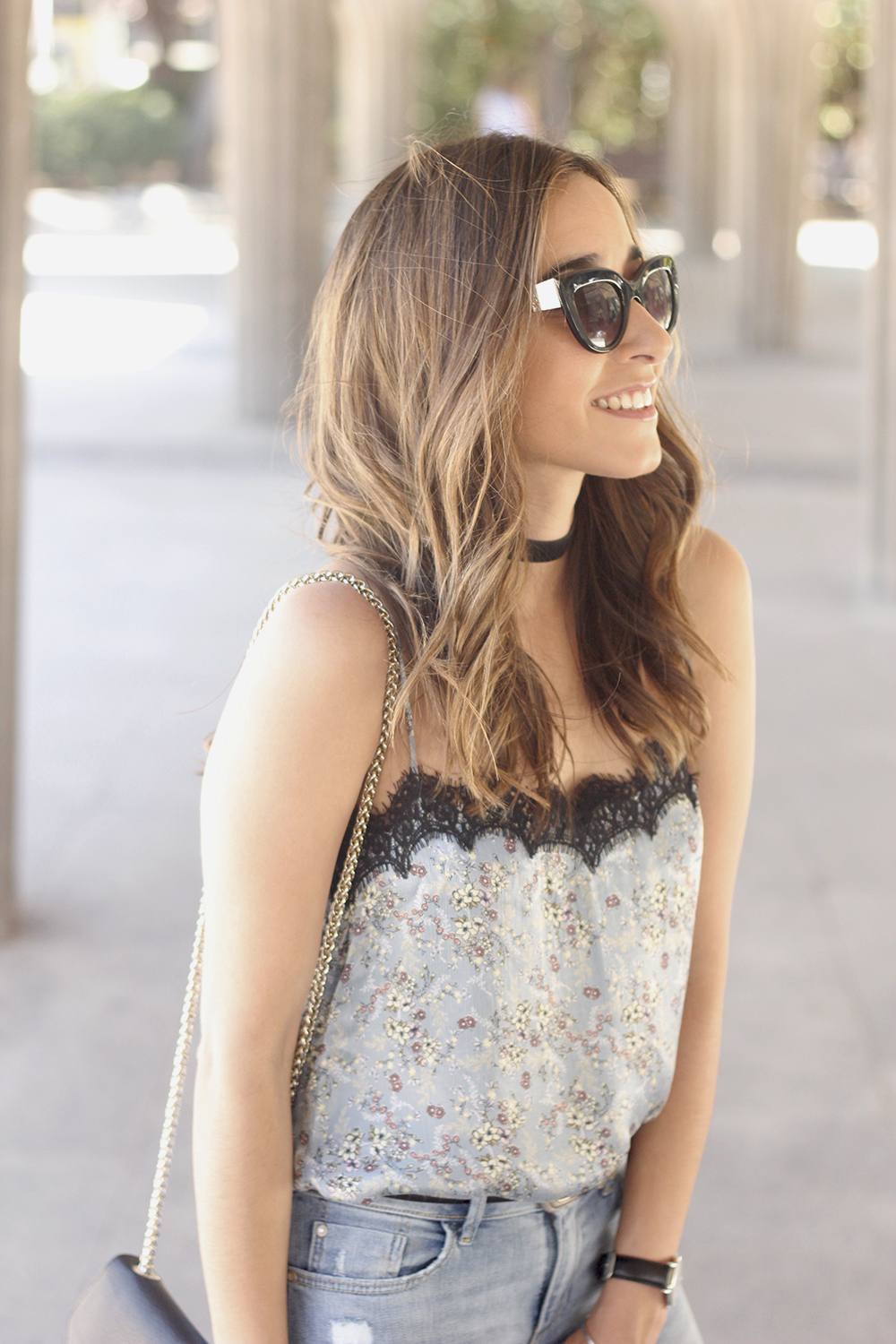 Lace top with skinny jeans heels summer outfit fashion style accesories14
