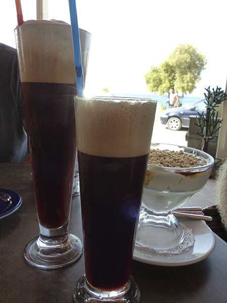café frappé et expresso glacé