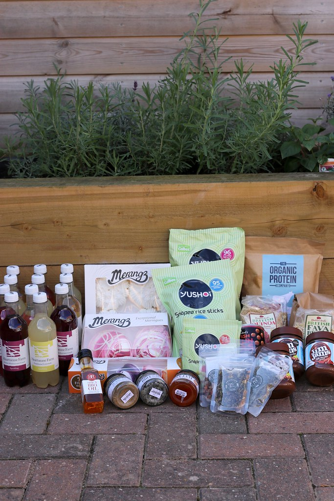 foodie must haves,foodie,food review,heartsease farm,flower and white,merangz,ross and ross,ross and ross bbq,yushoi,suki tea, sukiteatreasures,jim jams,hodmedods,the organic protein company,katelouiseblog,