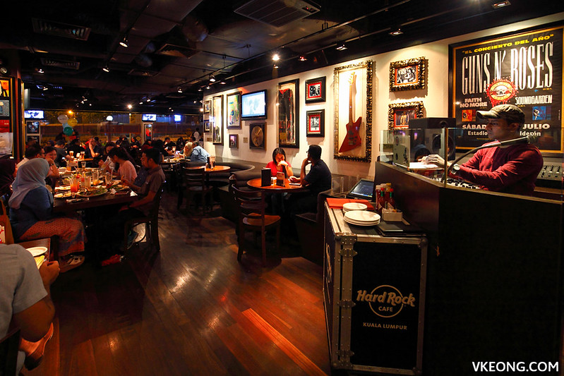 Hard Rock Cafe DJ