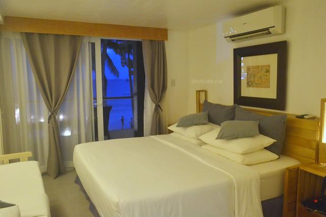 zuzuni hotel beachfront room