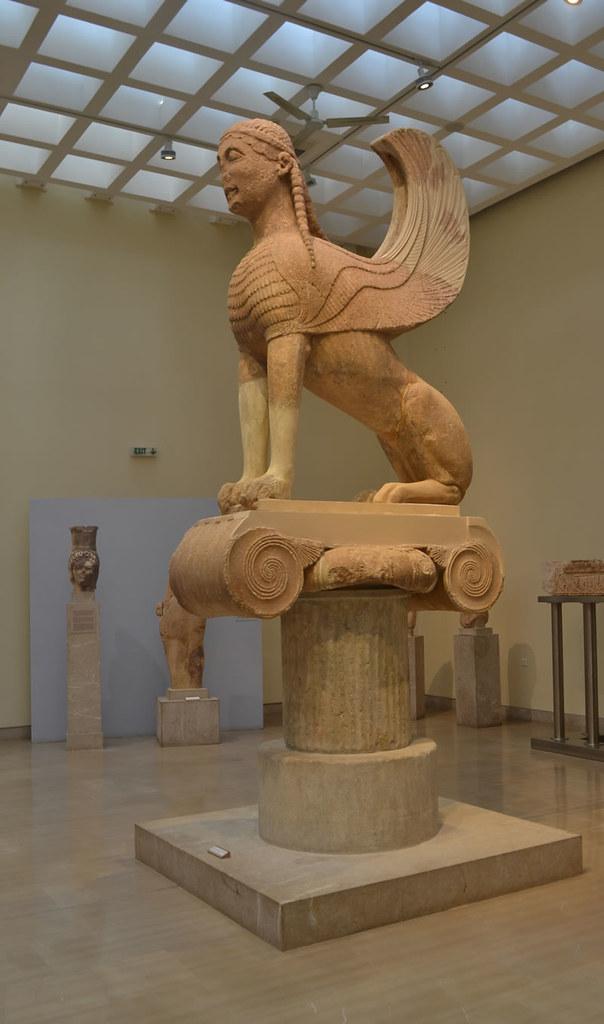 La esfinge de Naxos en el Museo de Delfos
