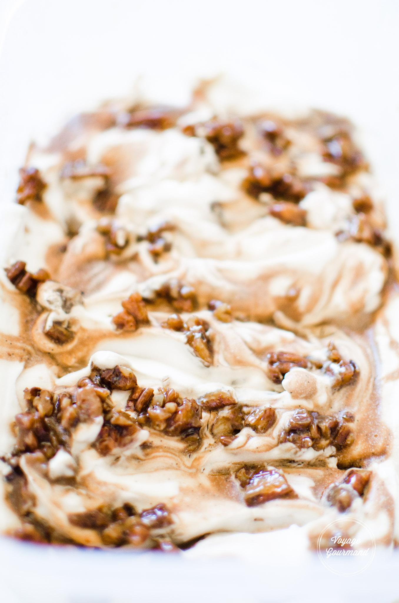 Crème glacée coco-vanille-caramel-pécan