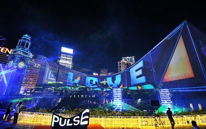 18 香港 閃躍維港 3D光雕匯演