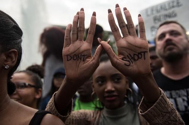Protestan contra Policía de Charlotte