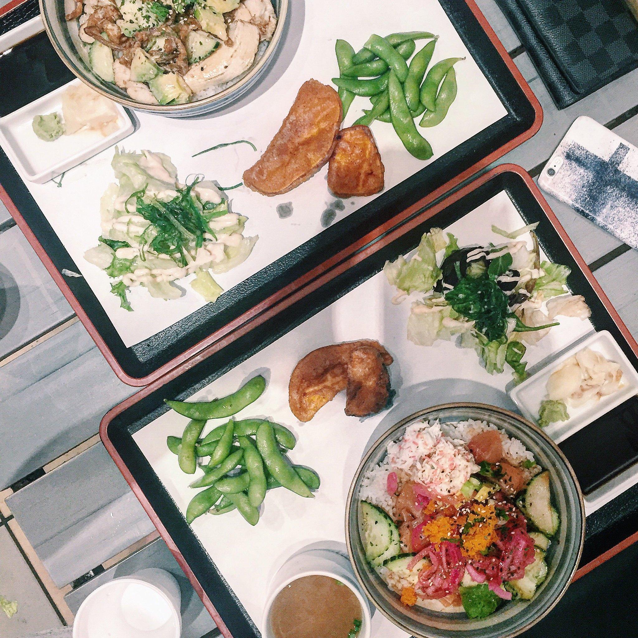 japanese-foodie-flatlay-poke-bowl