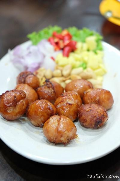 Eat Thai Food (5)