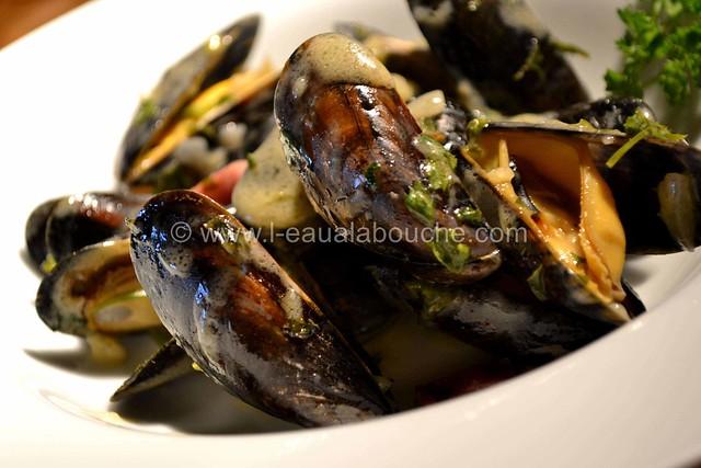 Moules au Jambon & sa Sauce © Ana Luthi Tous droits réservés 19