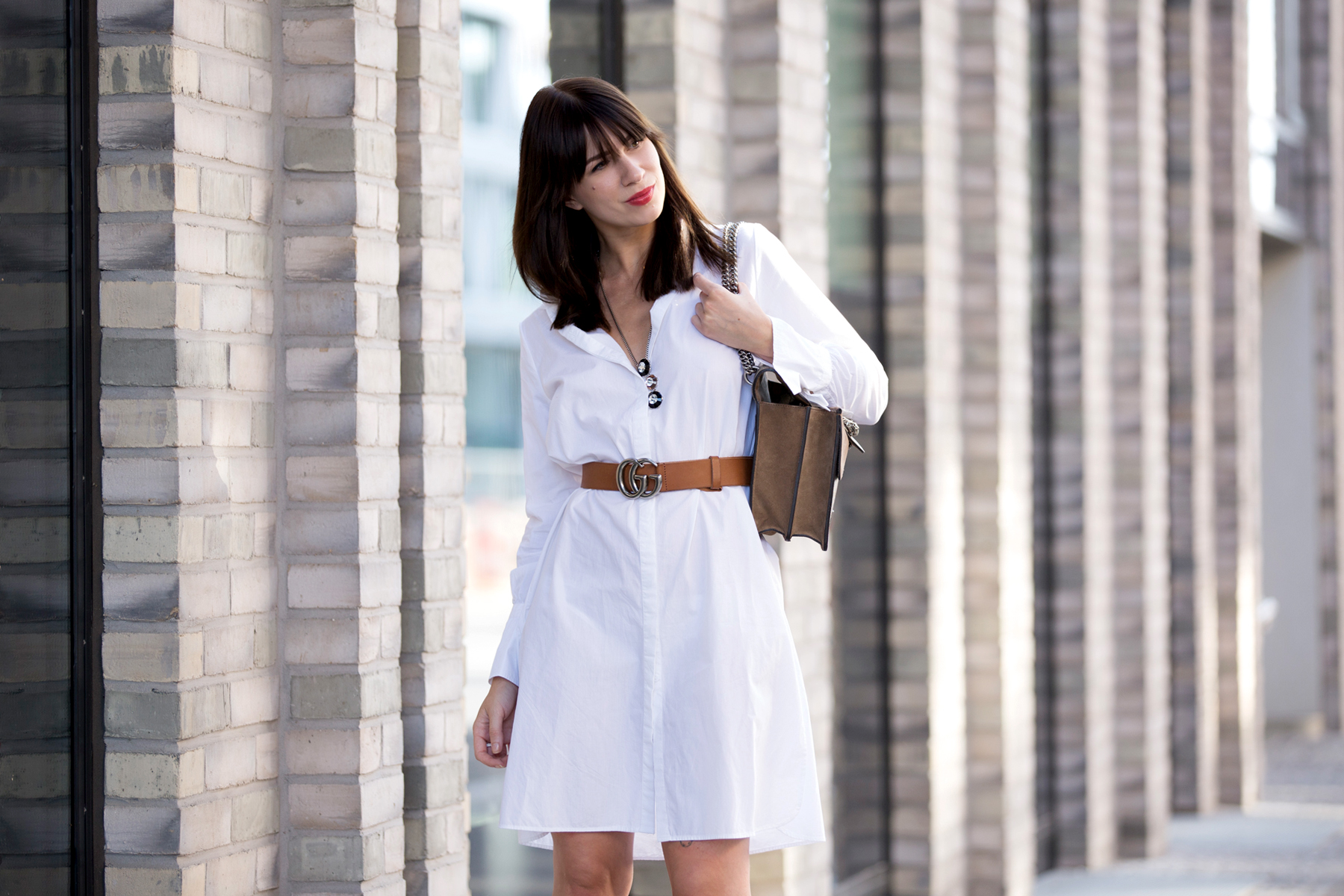 outfit white dress gucci belt dionysus bag pompom heels aquazzura diy blogger ootd fashionblogger summer streetstyle berlin bloggers cats & dogs modeblog ricarda schernus lifestyleblogger 4