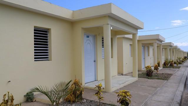 Día memorable para Azua, 182 familias reciben viviendas dignas y seguras