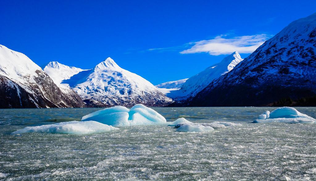 Portage Lake Icebergs