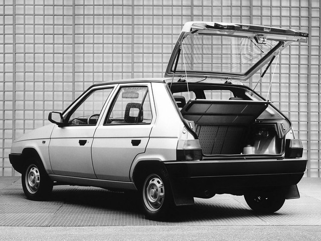 Škoda Favorit. дизайн Bertone. 1987 – 1994 годы производства