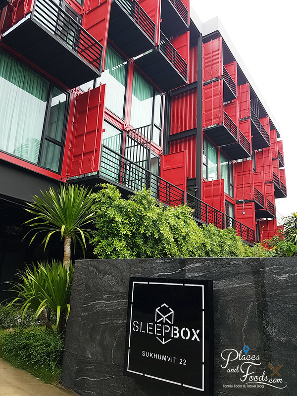 sleepbox sukhumvit 22 front view