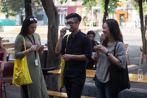 林仕杰(中)與林婉玉(右)導演在馬賽電影學院