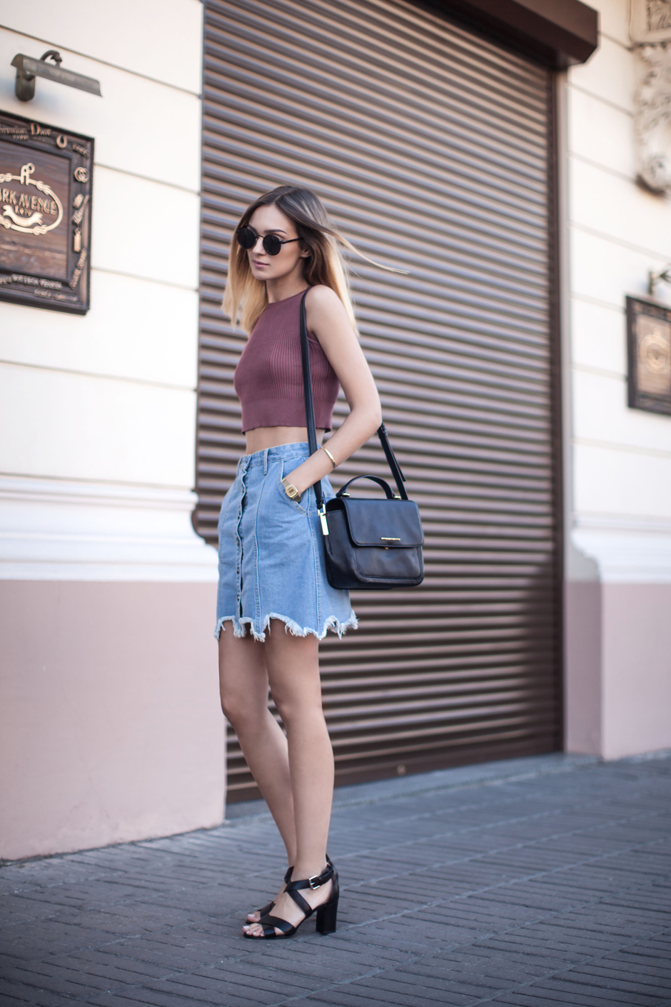 how-to-wear-denim-skirt-outfit-ideas