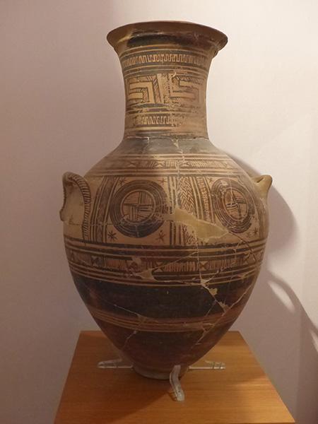 vase géométrique 8eme siècle BC
