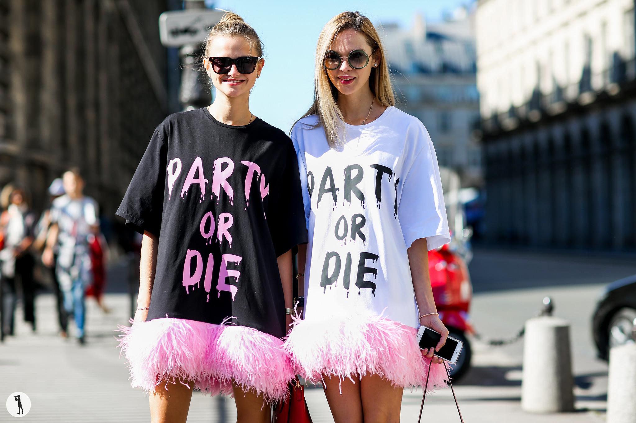 Street style at Paris Fashion Week-11 2