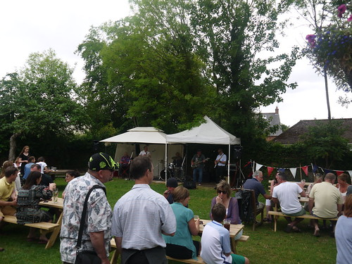 Garden Party at the Hollybush, Priors Marston