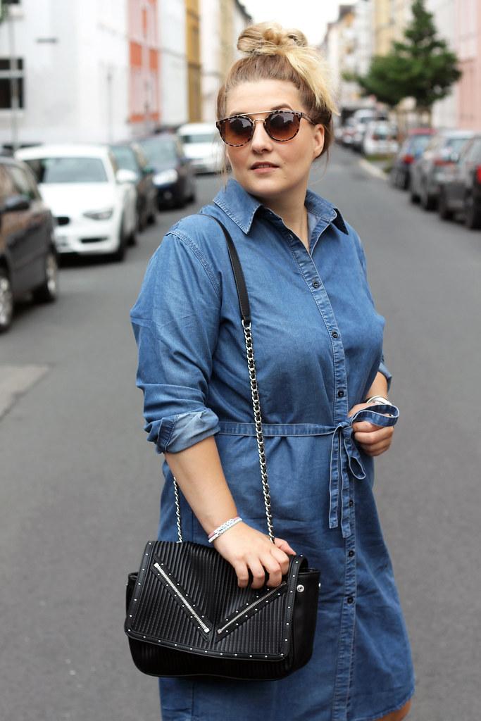 outfit-europapassage-jeanskleid-sommer-trend-look-modeblog-fashionblog-stiefeletten-chloe-lookalike3