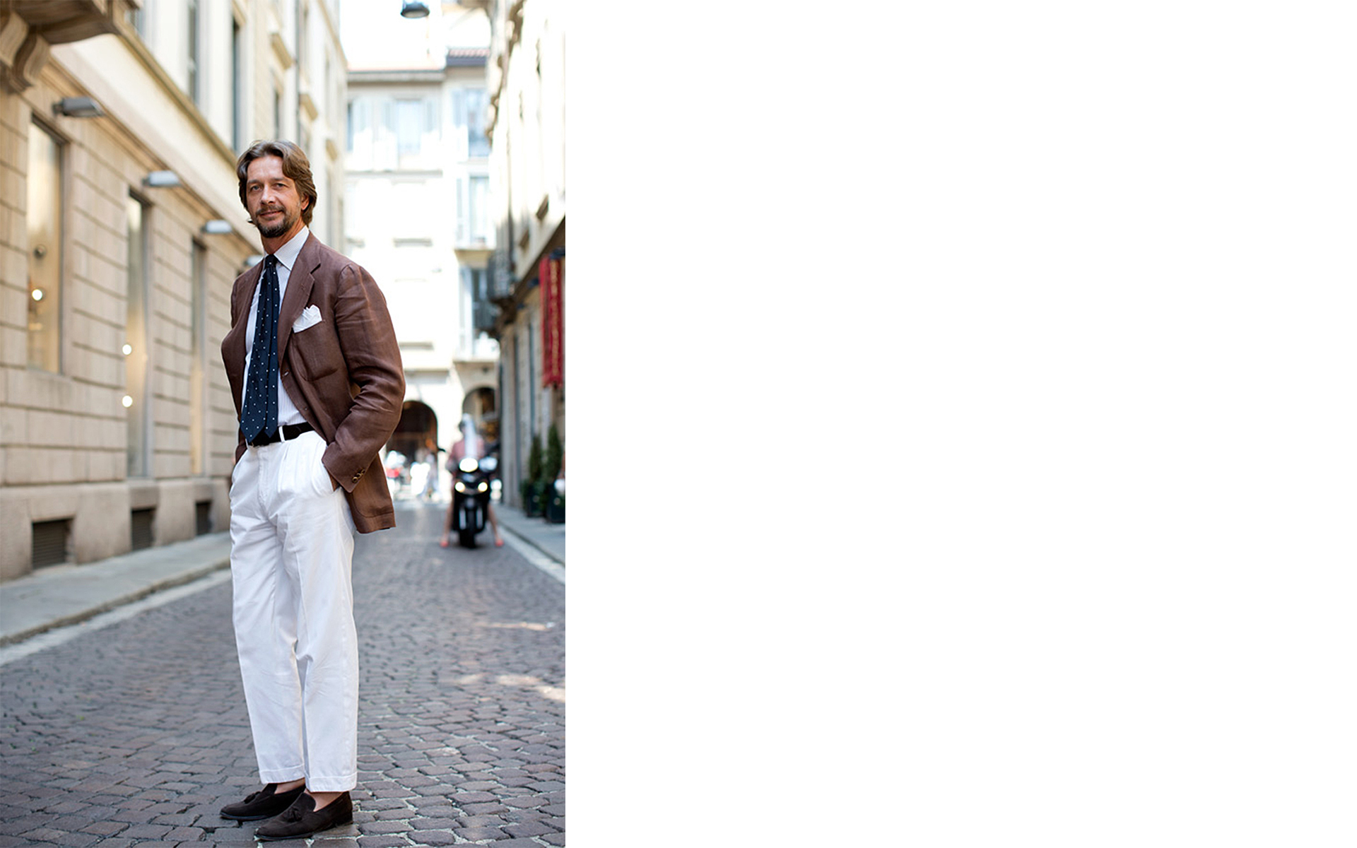 come indossare i pantaloni bianchi