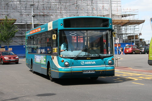 Arriva Shires 3454 on Route 800/850, Reading Station