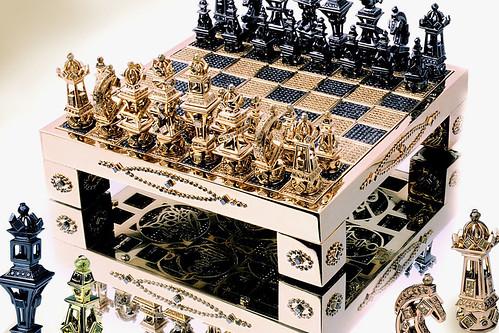 Шахматы из золота Royal Chess Set от House of Solid Gold