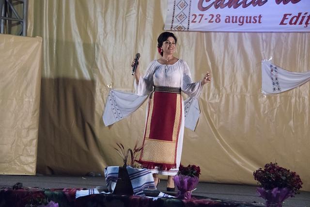 """Recital Vasilica TONU Ziua a-2-a Festivalul Folcloric """"Canta de rasuna lunca"""" - Tecuci - 28 august 2016"""