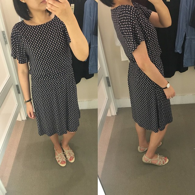 阁楼Cluster Flutter Sleeve Dress, size XS regular