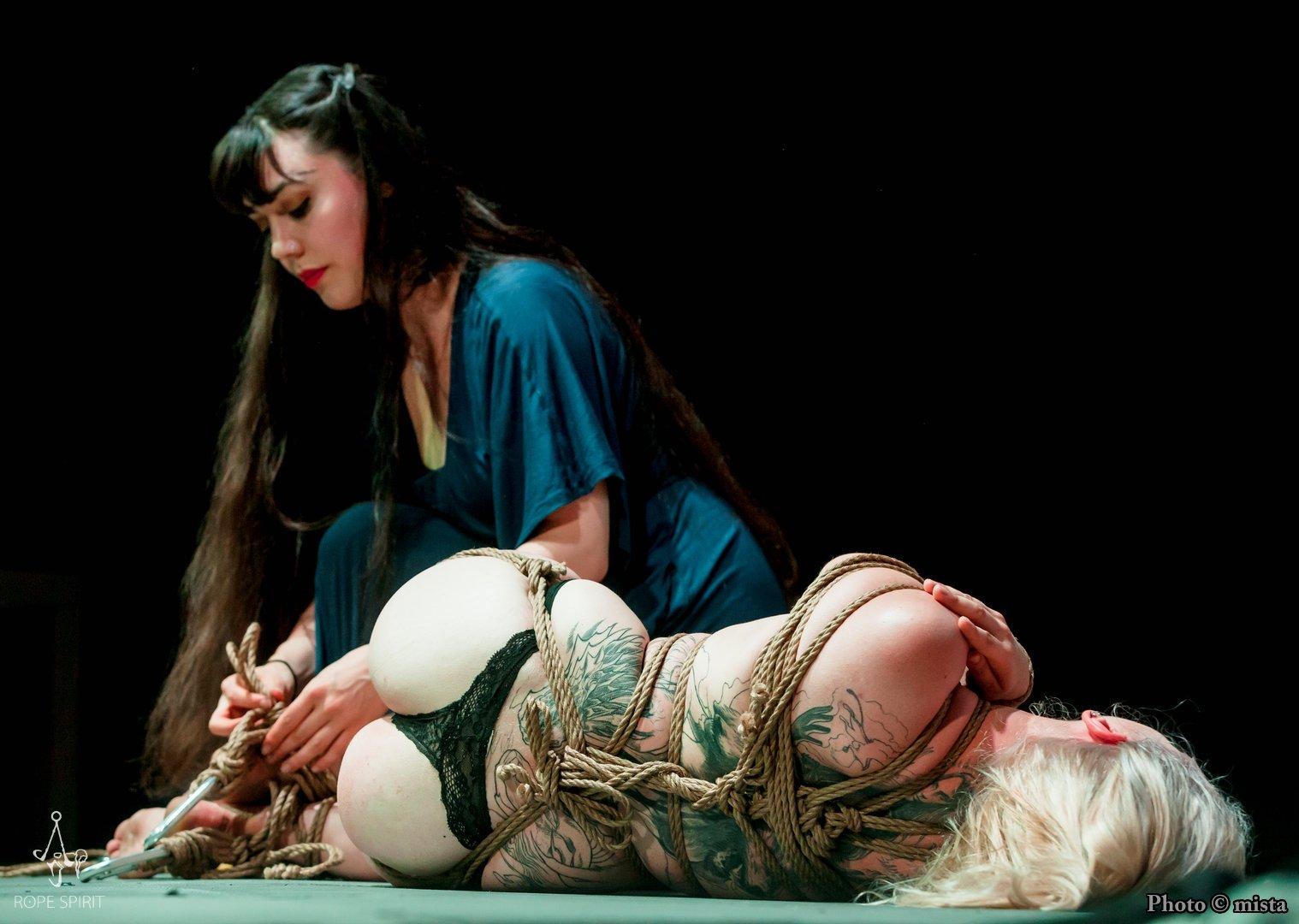 Shibari performance by Gestalta and Anea Capaken in Prague, Rope Spirit 2016