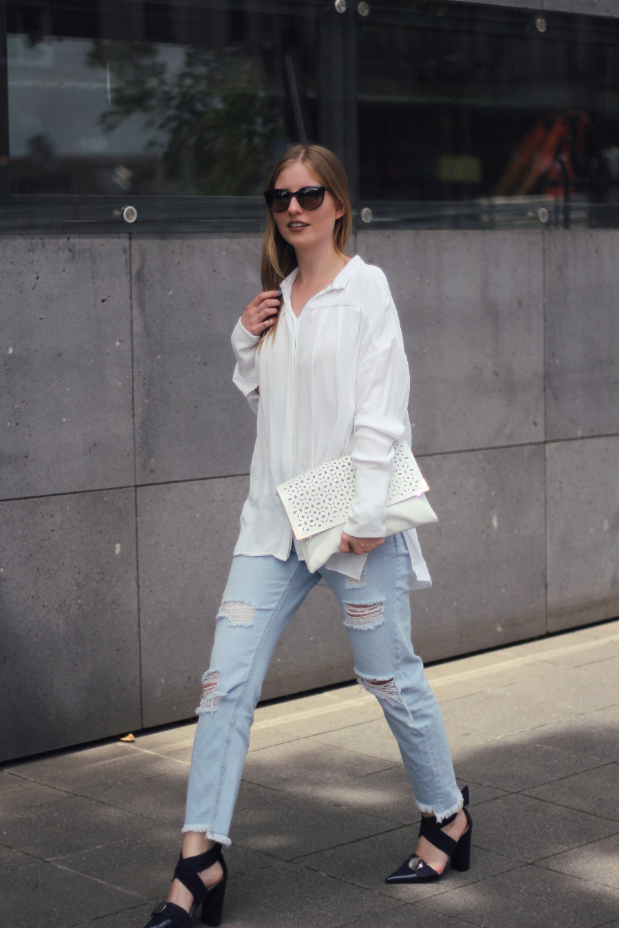 outfit everyday jeans shirt absatzschuhe uterque zara & other stories vogue frankfurt blog