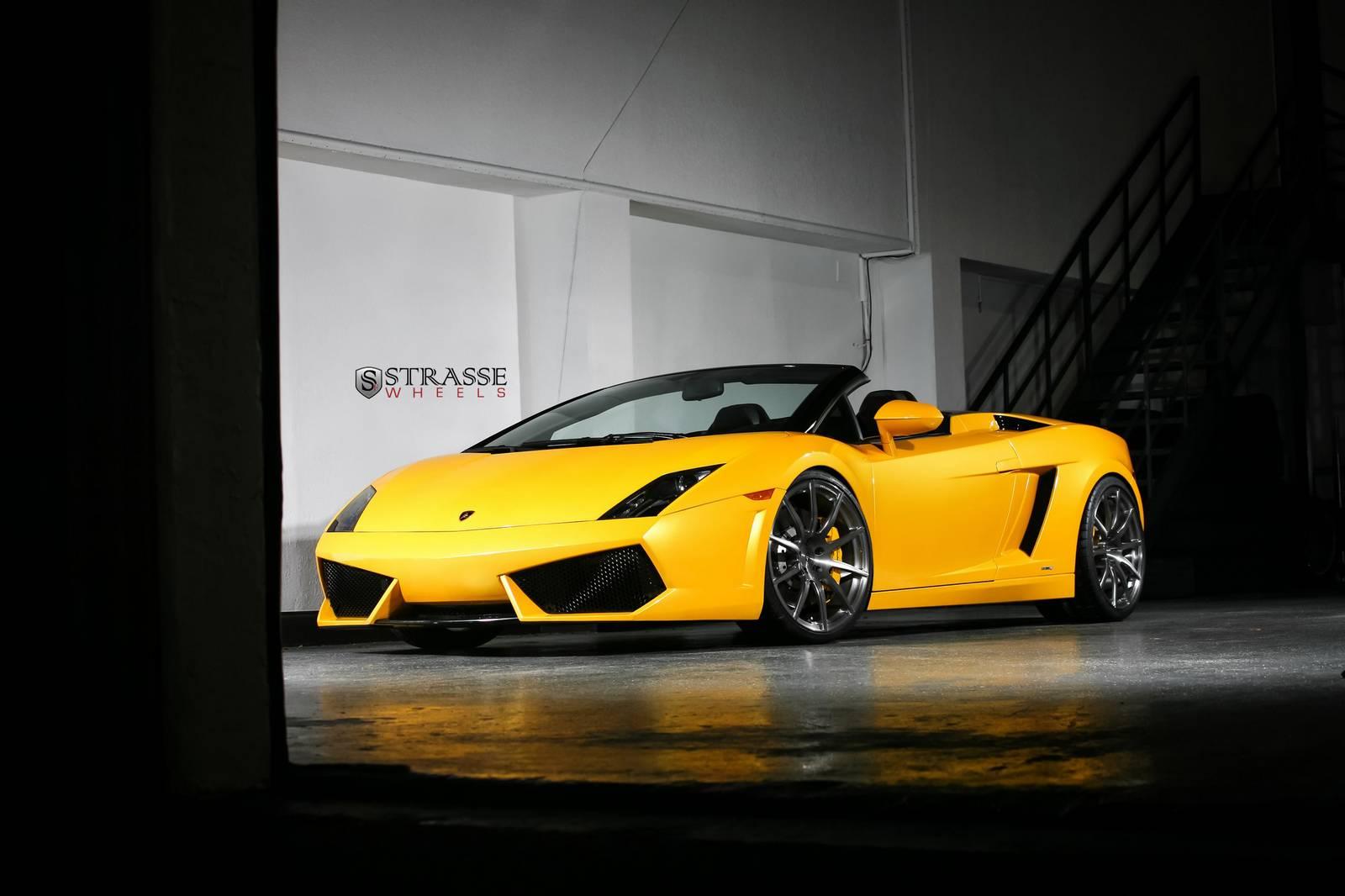 Фото Lamborghini Gallardo Spyder на дисках Strasse Wheels