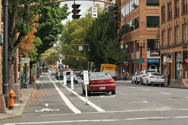 New bikeway on SW 2nd Avenue-5.jpg