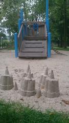 Sand-Kunstwerke und Kletterlement auf dem Spielplatz Nottulern Landweg in Roxel